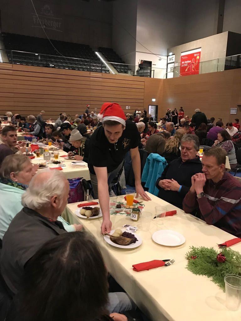 Weihnachtsessen Dresden.Hc Elbflorenz Zu Gast Beim 2 Weihnachtsessen Für Dresdner